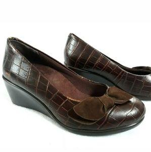 Vionic Lena Crocodile Brown Wedge Pumps Size 6.5